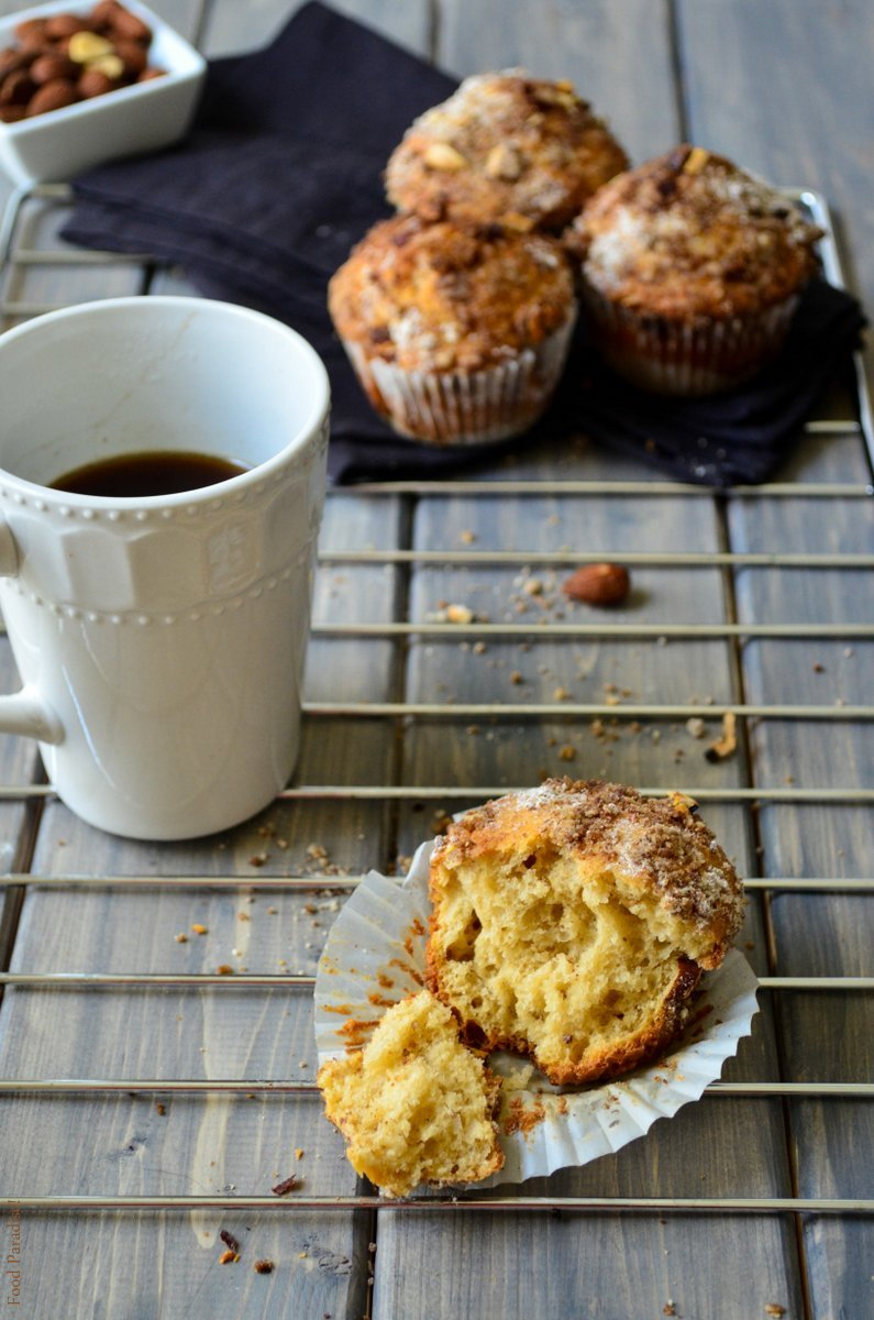 Coffee and Cinnamon Almond Streusel Muffins