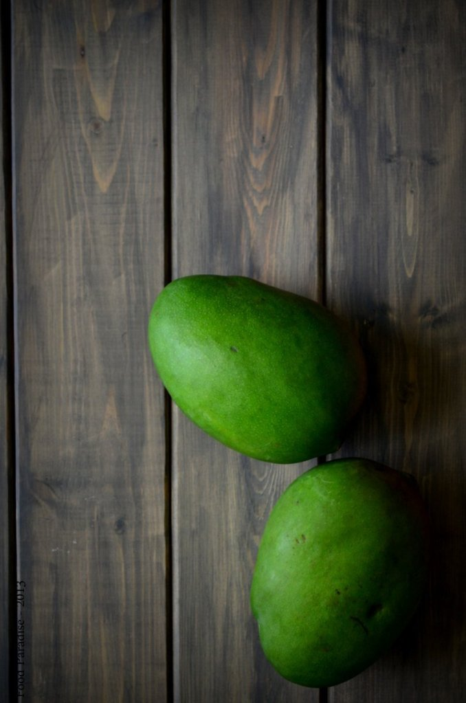Mangoes-Unripe