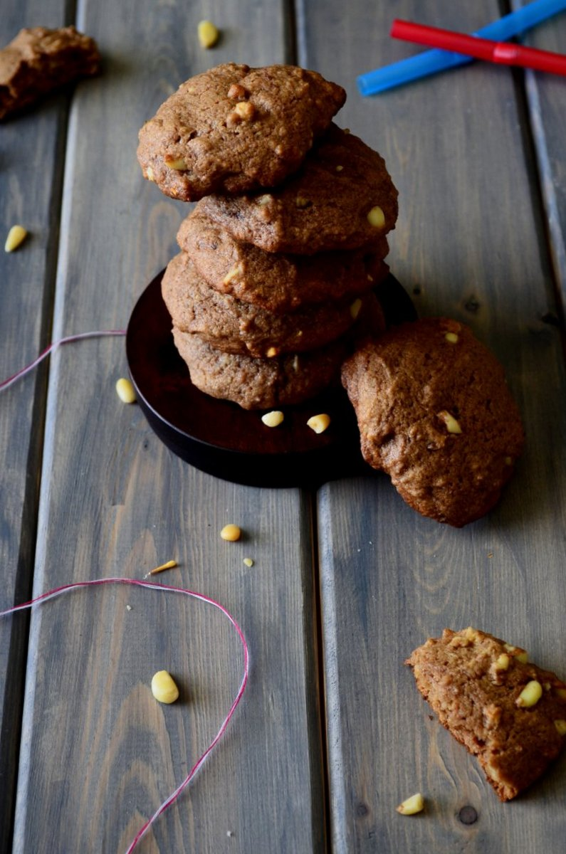 Nutella & Pine Nut Cookies