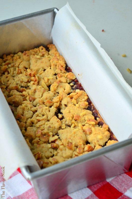 Walnut Cranberry-Crumble Bars