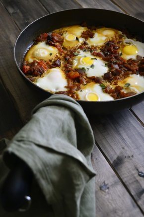 Egg & Tomato Curry-Featured